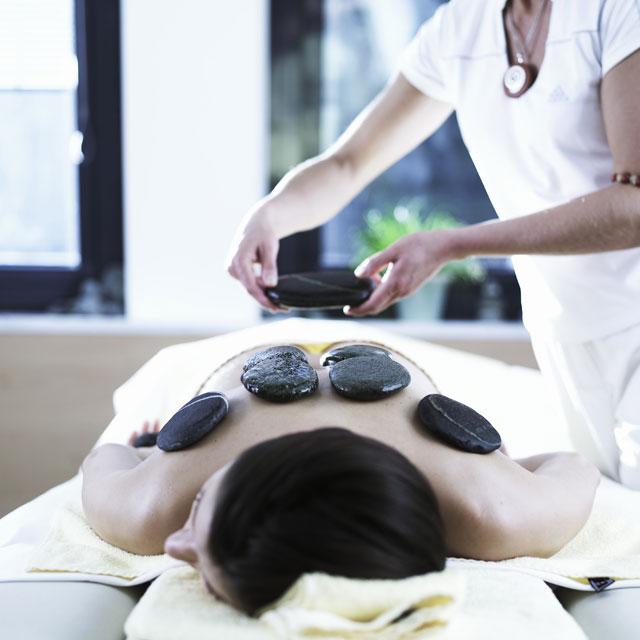 AQUA-DOME_Beauty_Treatment-Ötztaler-Steinmassage