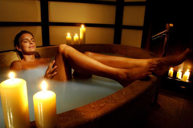 AQUA-DOME_Beauty_Treatment-Steinwanne
