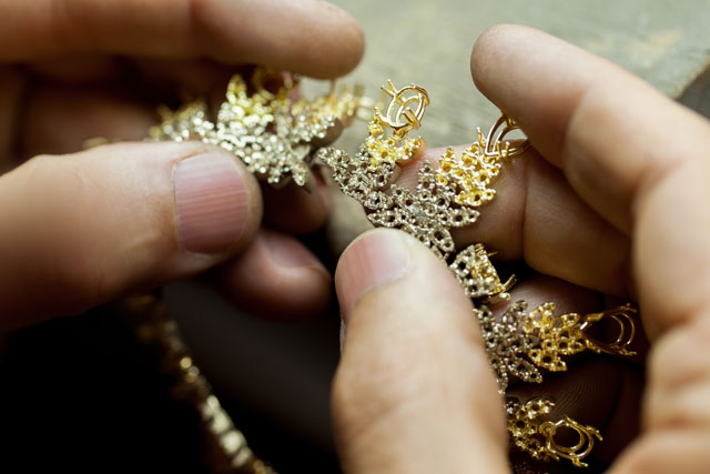 Pasquale-Bruni_the-art-of-jewelry-making-3